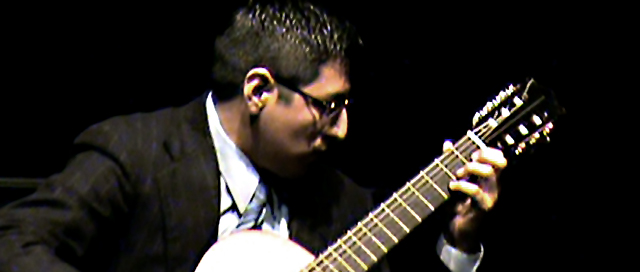 Russel Braga - Compositor y Guitarrista Yucateco.